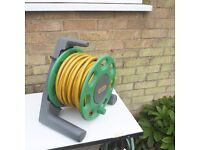 Lightweight reel come with. 25m multipurpose hose & nozzle