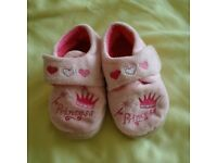 Girls Pink Princess Slippers size 5