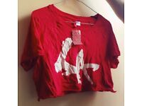 NEW H&M red cropped t shirt, SMALL