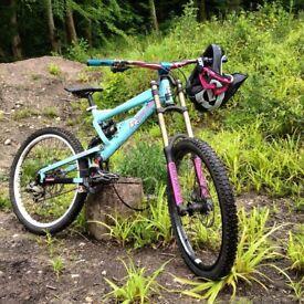 Mongoose black diamond double downhill bike