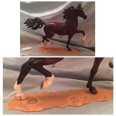 Huckleberry Bey  Totilas  Keltic Breyer Horse Stand