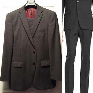 New men's Kenneth Cole grey wool suit