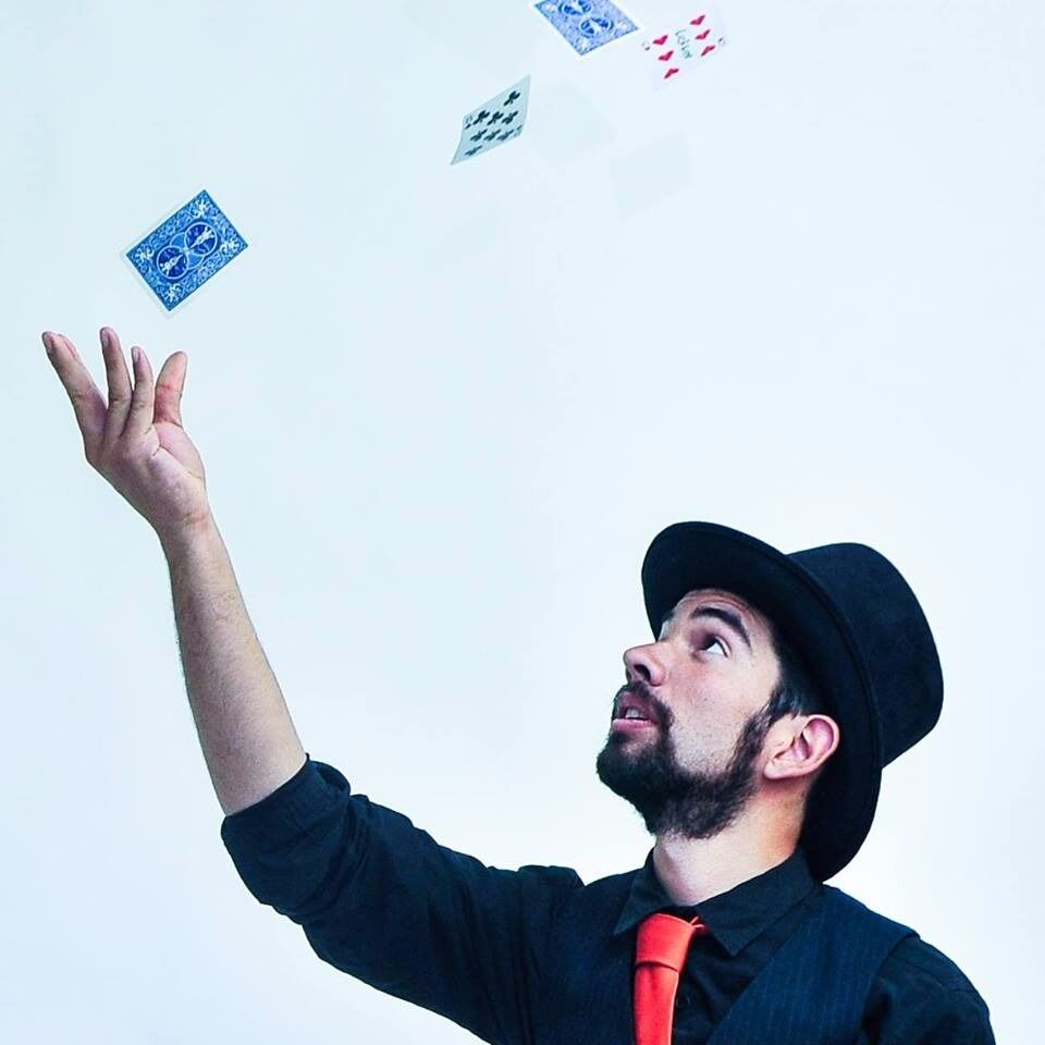 Magic lessons in London! Tricks, Stage & Close-up Magic. Magician ...
