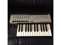 Novation 25SL MkII midi keyboard. Barely used. Great Condition.