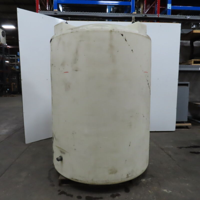 """1000 Gallon Thick Poly Agriculture Industrial Vertical Storage Tank 64x64x94"""""""