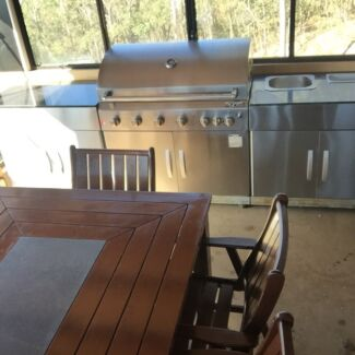 Full outdoor kitchen with 10 seater table & chairs Mount Warren Park Logan Area Preview