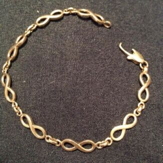 GOLD BRACELET 20cm Taree Greater Taree Area Preview