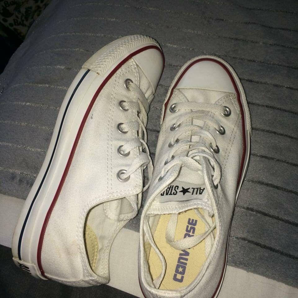 Size 4 white converse