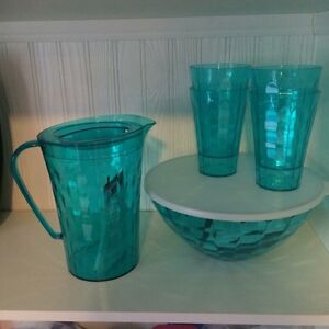 Tupperware Ice Prism Bowl, Tumblers and Pitcher set