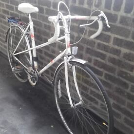 Vintage * Retro * Raleigh City Bike / Bicycle 5-speed w/ mudguards Used - GOOD CONDITION