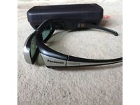 3D Glasses with carrycase