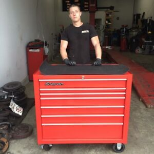 Snap on box - full of tools