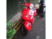 Vespa Gts Red - 124cc (Granturismo)
