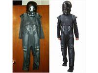 Boys kids Star Wars Suit & Mask - 5/6years