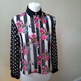 Pretty floral blouse by Topshop UK size 8