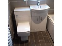 QUALIFIED PLUMBER AND BATHROOM FITTER