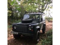 4X4 Landrover defender 90 (ex military)