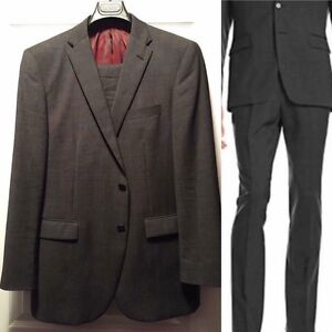 Kenneth Cole charcoal grey virgin wool suit
