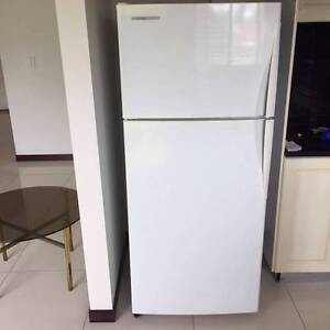 **QUICK SALE** Fridge & Freezer in Excellent Condition Punchbowl Canterbury Area Preview
