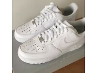Nike airforce 1s white