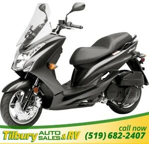 2016 Yamaha S-MAX Fun and easy to ride! Room for a passenger too