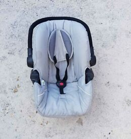 Hauck car seat/ baby carrier
