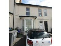 + No Admin fees + Park Rd + 1 Bedroom Ground floor flat.