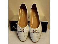 white very comfy shoes