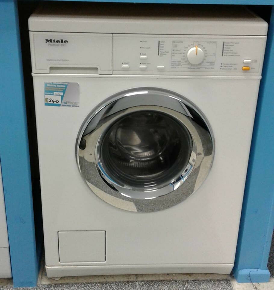 H698 white miele 5kg 1200spin washing machine comes with warranty can be delivered or collected