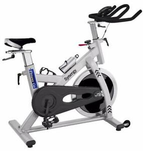 LIVRAISON GRATUITE!!! VÉLO DE SPINNING FITNESS GO SYNERGY NEUF EN BOÎTE - FREE SHIPPING BRAND NEW COMPACT SPINNING BIKE