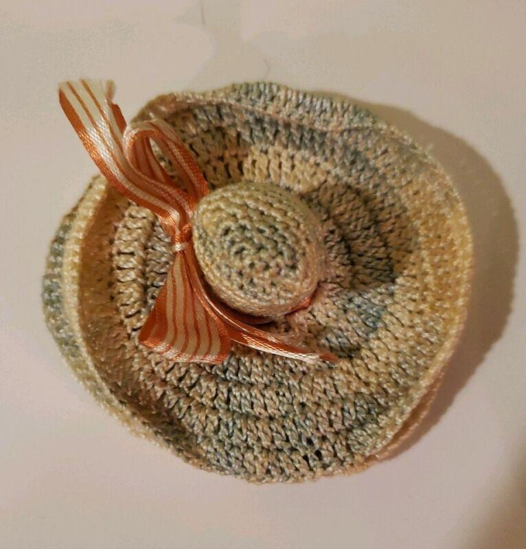 VTG Hand Crocheted Ladies Hat Needlecase  Philadelphia Enquirer Thimble Holder