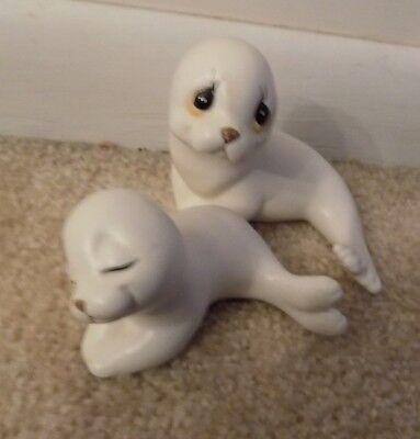 White Seal Sea Lion Pup Mom Baby Cuddling Porcelain Ceramic Figurines  FREE (Sea Lion Seal)