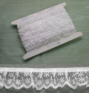 Gathered White Lace  20 metres  (133)