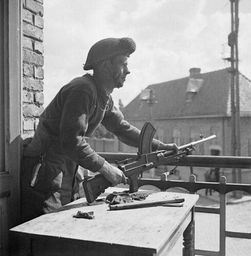 WW2 WWII Photo Canadian Soldier with Bren Gun in Belgium World War Two Canada