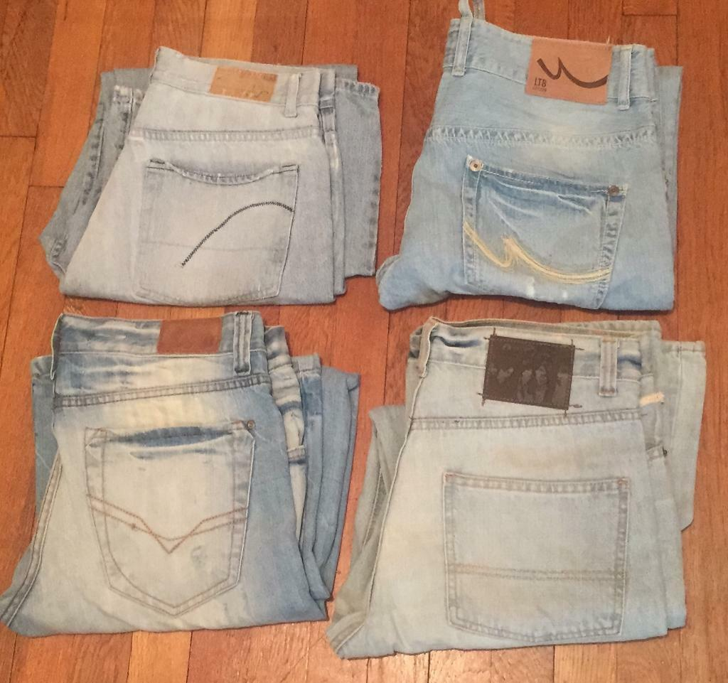 4 pairs of worn men's sandblasted jeans. Various sizes. All in good condition. Buyer must collect