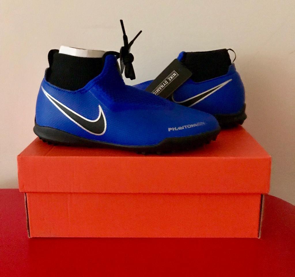 Nike Metallic React Phantom Vsn Pro Df Ic (racer Bluechromewhite) Men's Soccer Shoes for men