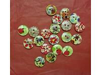 20 Flowery pattern craft/sewing buttons
