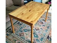 Solid Pine Kitchen Table H29in/74cmL46.5in/118cmW29.5in/75cm