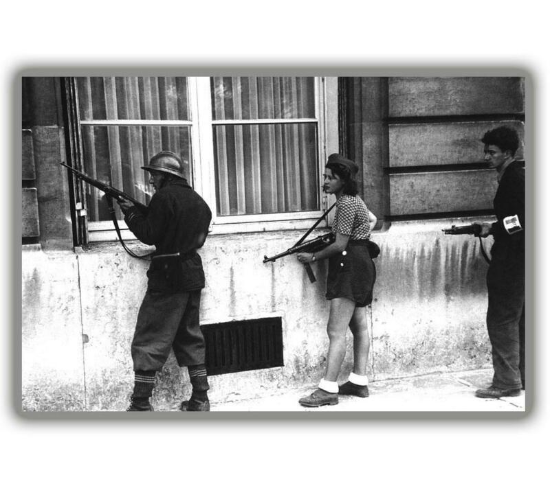 """War A policeman and two of her companions are.. ww2 Photo Glossy """"4 x 6"""" inch B"""