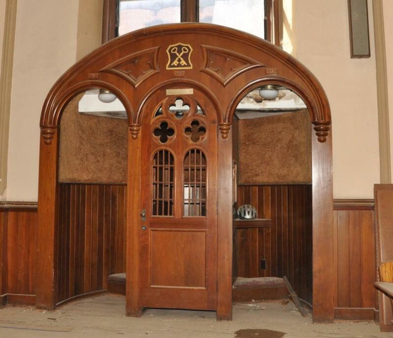 BEAUTIFUL GOTHIC CHURCH RELIGIOUS CARVED WOOD CONFESSIONAL SURROUND - JJ88
