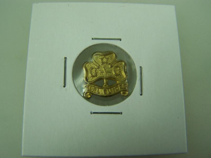 Pin back badge Girl Guides                                                  3072