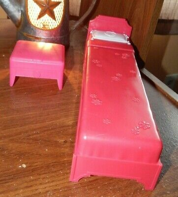 2009 Mattel Barbie Doll House Furniture Pink Bed & Stool Lot