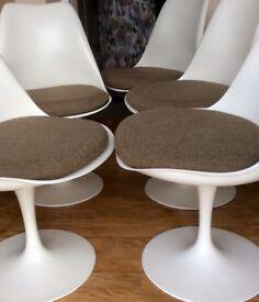 White swivel chairs x4- designer Eero Saarinen