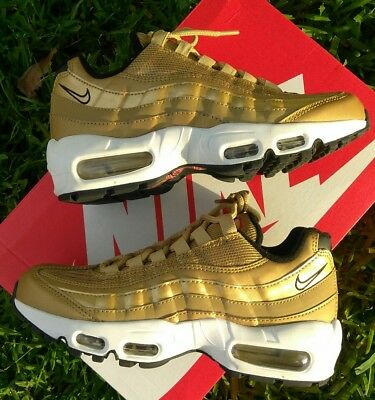 Size 6 WOMEN'S NIKE AIR MAX 95 QS Metallic Gold 90 97 814914 700 casual running
