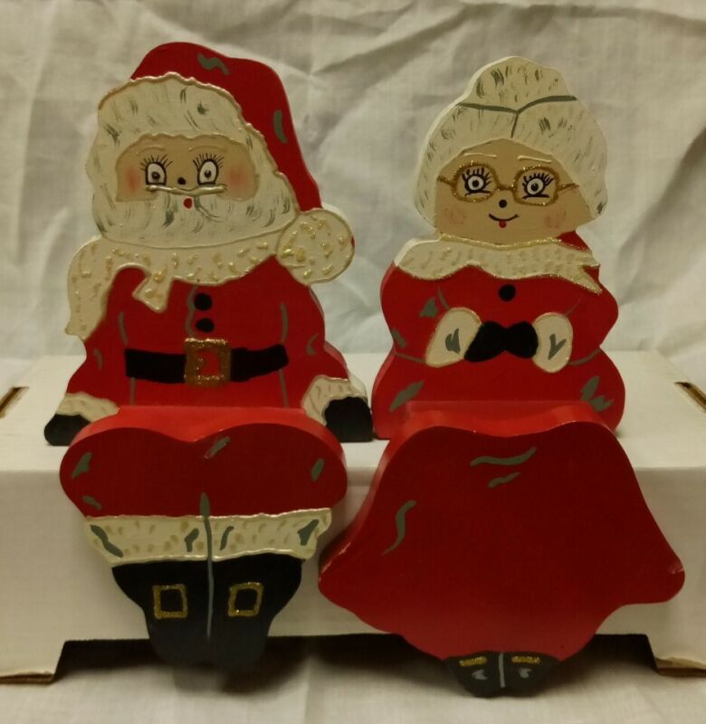 Vintage Christmas Santa and Mrs Claus Shelf Sitters