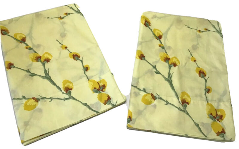 Vintage 1970s Lot Of 2 Fieldcrest Perfection Yellow Pussy Willow Pillowcases New