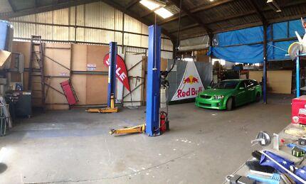 WORKSHOP SPACE GARAGE STORAGE WAREHOUSE ROCKDALE SHARE HOIST CAR Rockdale Rockdale Area Preview