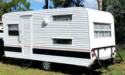1974 CHESNEY 15FT FULL CARAVAN, DOUBLE BED, finance available