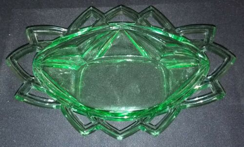 "Indiana Glass Pyramid Pattern Green Lace Edge 9"" Oval Bowl #610 Excellent Cond"
