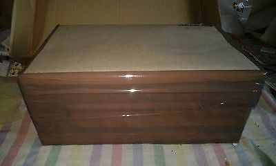 Big Box of Great Britain, Kiloware OFF paper, 1.940Kg  high/er values.